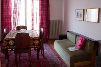 Η Κοινωνική Πολυκατοικία του δήμου Αθηναίων ανοίγει την αγκαλιά της για 17 οικογένειες
