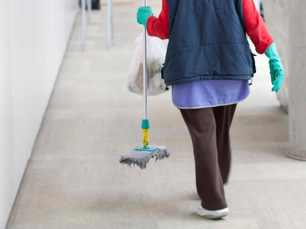 Εγκρίθηκαν οι Σχολικές Καθαρίστριες για τους δήμους – Ποιά τα κριτήρια κατάταξης