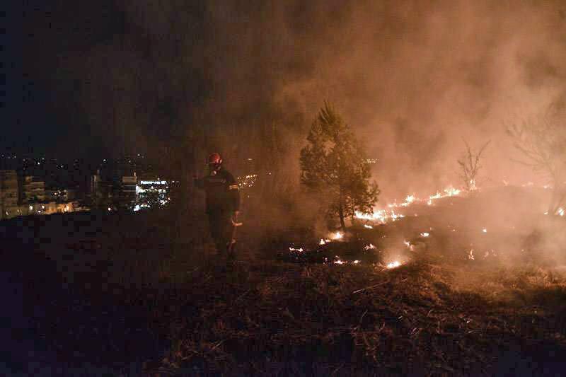 Ανακοίνωση του Δήμου Διονύσου για τη μεγάλη πυρκαγιά σε Σταμάτα, Ροδόπολη και Διόνυσο