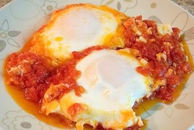 Οι Συνταγές της Αναστασίας: Αυγά με ντομάτα