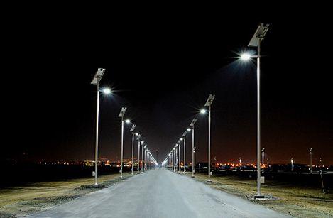 Περιφέρεια Αττικής : Εργασίες άρσης επικινδυνότητας σε 100 σιδηροϊστούς ηλεκτροφωτισμού