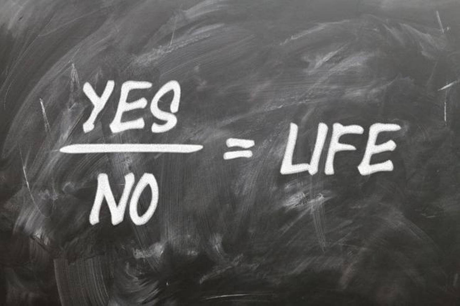 Γιατί δυσκολευόμαστε να πάρουμε αποφάσεις… γράφει ο ψυχολόγος Γιάννης Ξηντάρας