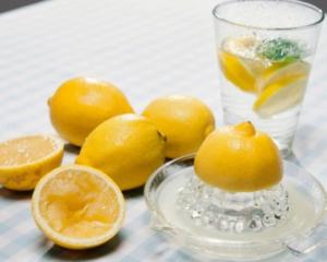 12 «απίστευτα» οφέλη από  το ρόφημα νερού με λεμόνι