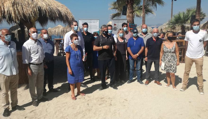 Καμπάνια ενημέρωσης λουόμενων για τον Covid-19 στην παραλία Αλίμου