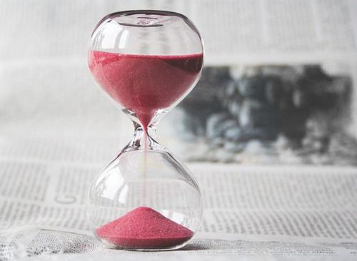 – Πότε λες να ξεκινήσεις;  – «Από Δευτέρα!», του Θανάση Καμπισιούλη