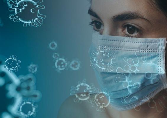 ΕΚΠΑ: Η υγρασία της μάσκας προστατεύει από τον κορωνοϊό