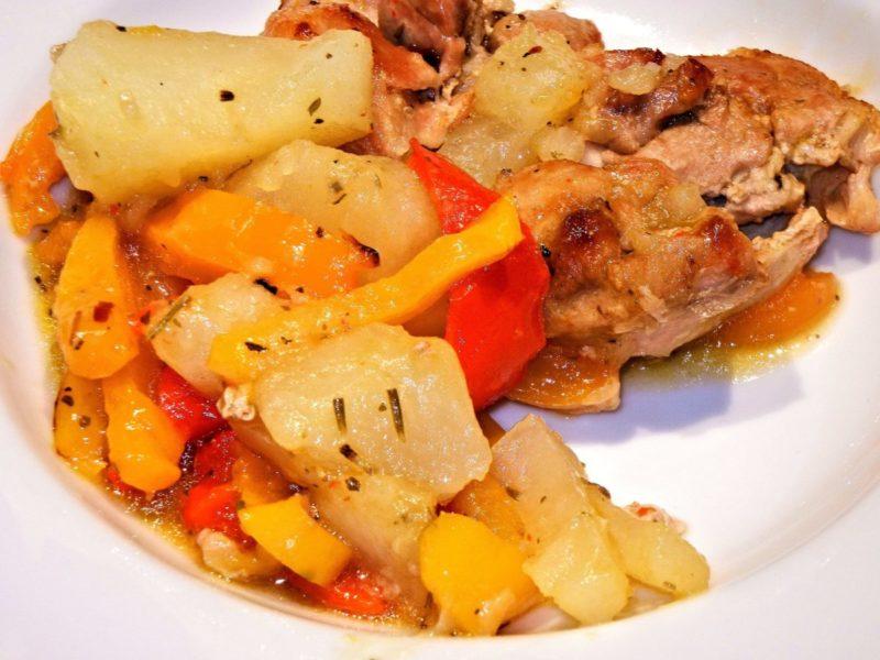 Οι Συνταγές της Αναστασίας ! Κοτόπουλο με πατάτες και λουκάνικο στο φούρνο