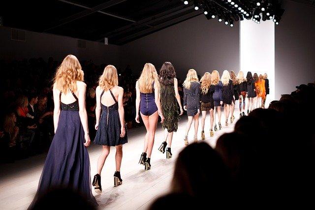 Επιστρέφουν τα ντεφιλέ με φυσική παρουσία στην Εβδομάδα Μόδας της Νέας Υόρκης τον Σεπτέμβριο