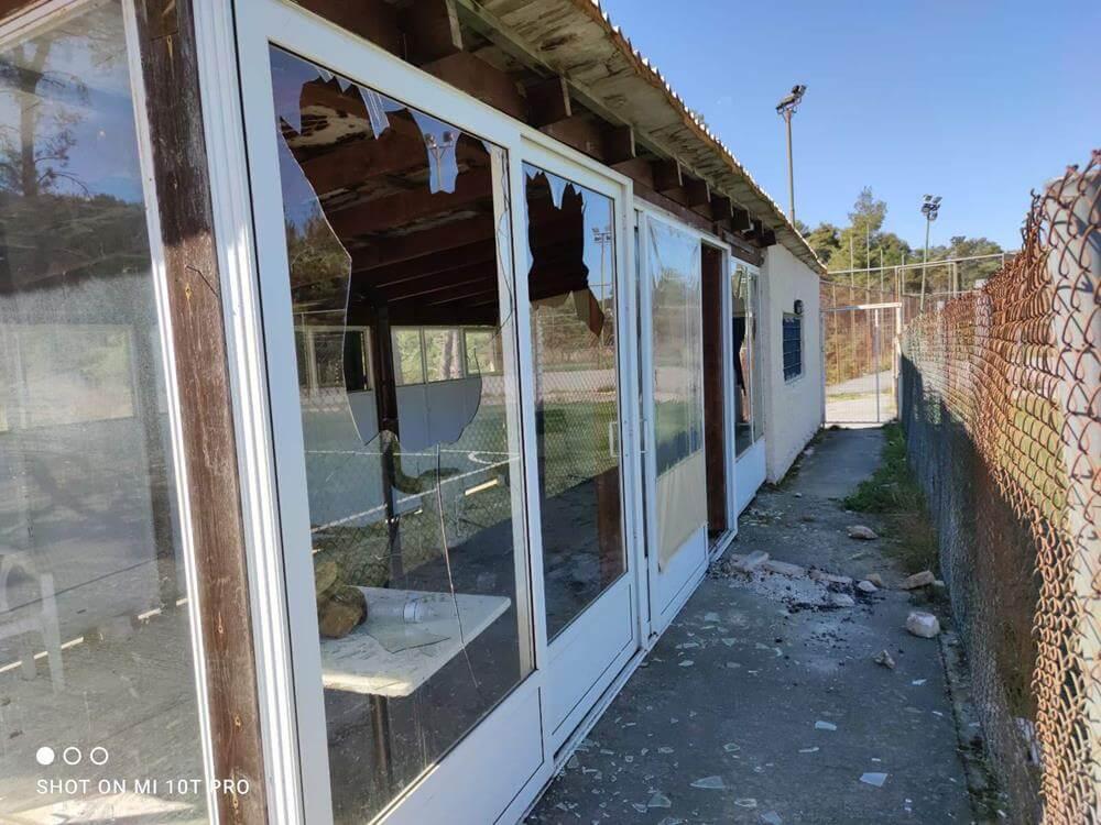 Δήμος Διονύσου: Αδιανόητοι βανδαλισμοί στο Δημοτικό Γήπεδο Σταμάτας