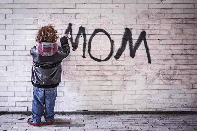 Η μαμά που τα προλαβαίνει όλα… υπάρχει; Της Κατερίνα Μαγγανά