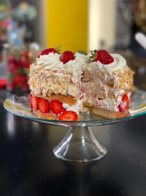 Γλυκές Αλχημείες με τον Στέλιο Παρλιάρο , αφιέρωμα στα ανοιξιάτικα γλυκά