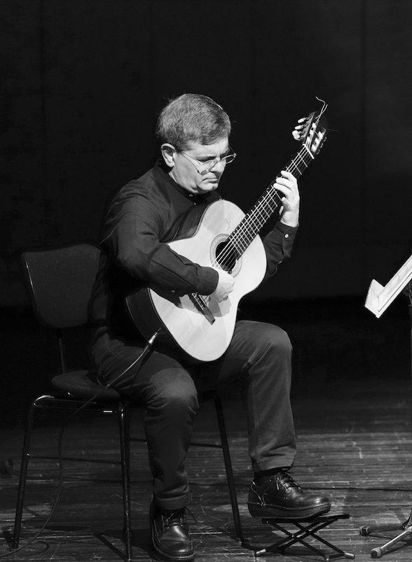 «Με την κιθάρα μπορείς να φτιάξεις απολύτως προσωπικό ήχο», Κώστας Γρηγορέας – Κιθαρίστας