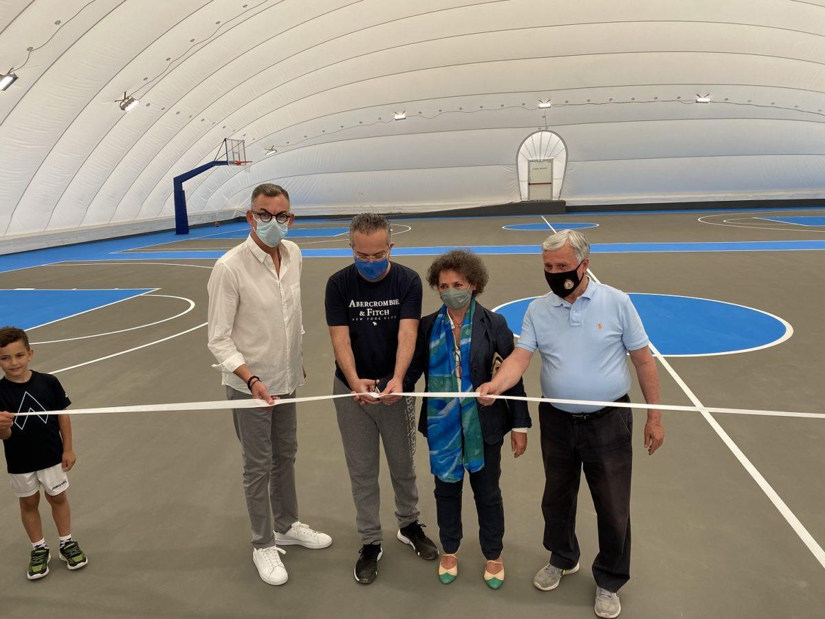 Έτοιμα τα δύο γήπεδα μπάσκετ στο Αθλητικό Κέντρο Χολαργού «Αντώνιος Πολύδωρας»