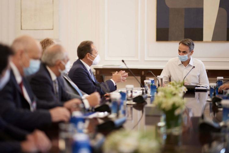 Συνάντηση του Πρωθυπουργού Κυριάκου Μητσοτάκη με την Πανελλήνια Ένωση Φαρμακοβιομηχανίας