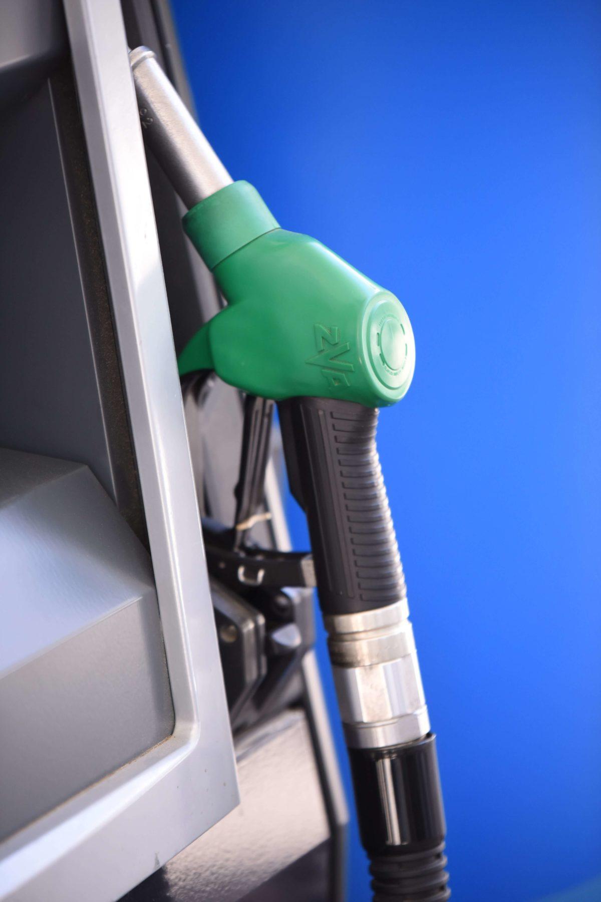 Στα ύψη η τιμή της βενζίνης – Τι λέει η πρόεδρος Βενζινοπωλών Αττικής