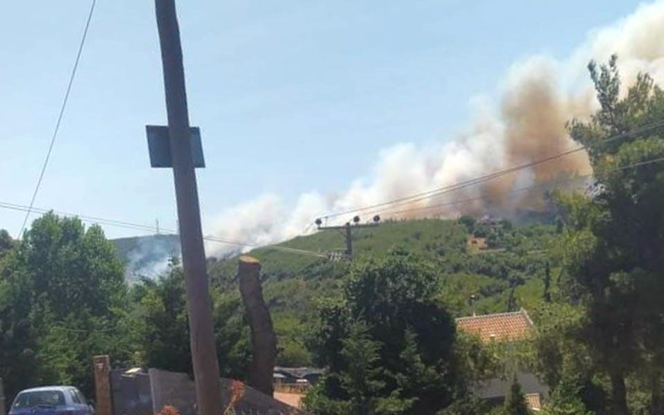 Δήμος Μαραθώνος : Η φωτιά στον Βαρνάβα αυτή την στιγμή είναι οριοθετημένη και πλήρως ελεγχόμενη.