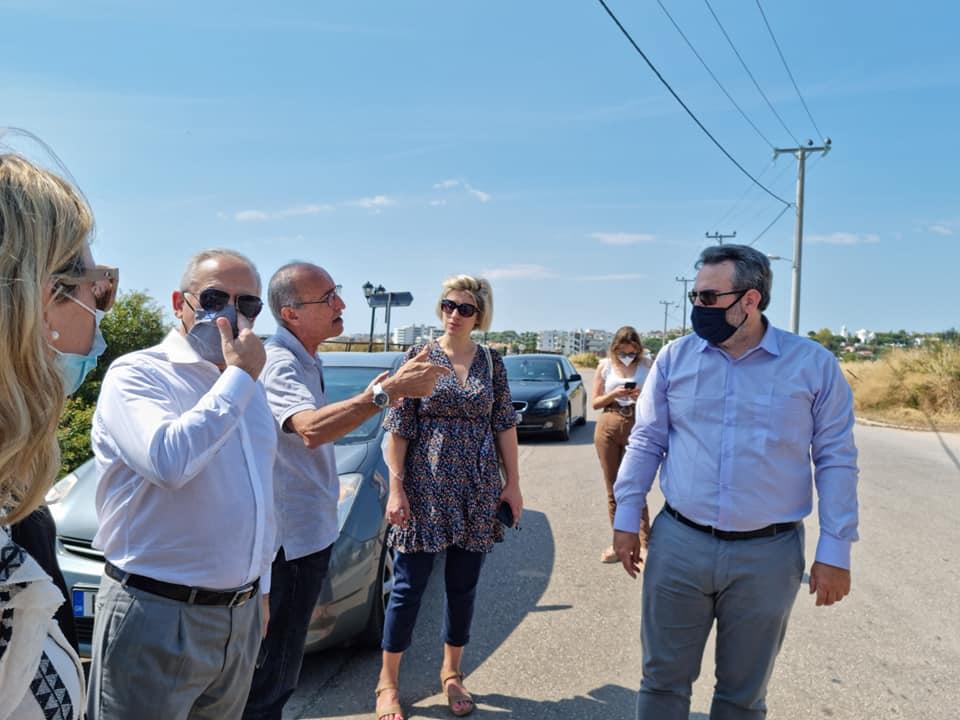 Ο Υφ.Περιβάλλοντος στον Δήμο Μαραθώνα στις πυρόπληκτες περιοχές