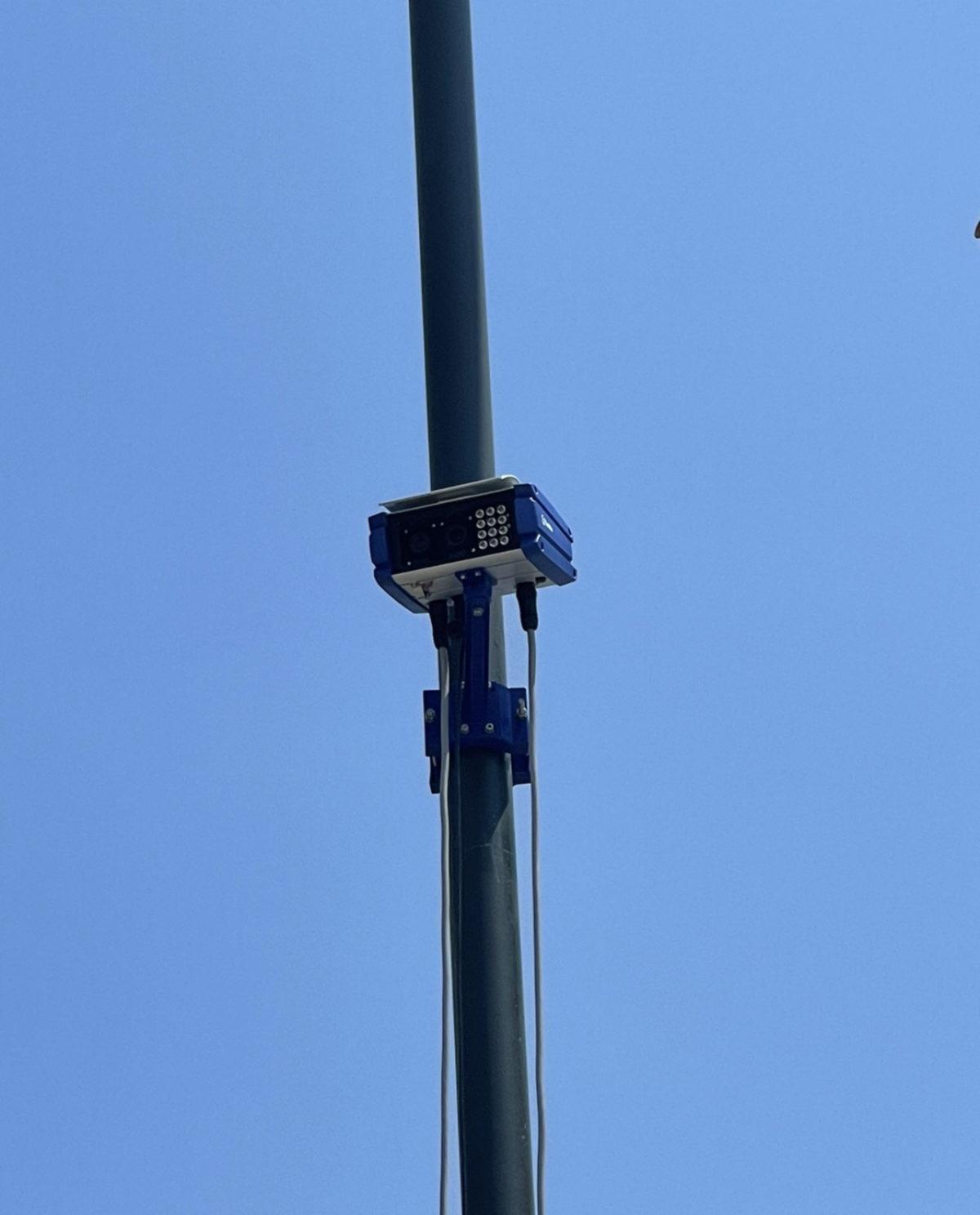 Στην Περιφέρεια Αττικής το πρώτο σύστημα ανίχνευσης παραβίασης ερυθρού φωτεινού σηματοδότη