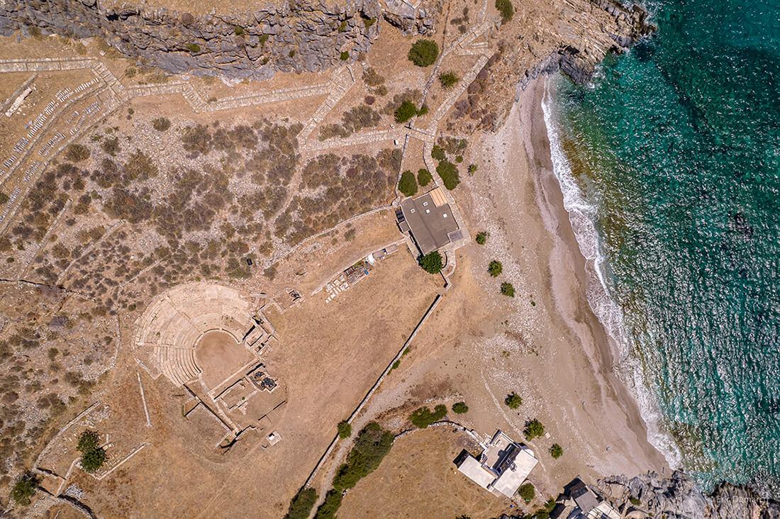 Τέσσερα δοξάρια ενώνονται για μια συναυλία στο αρχαίο θέατρο της Καρθαίας