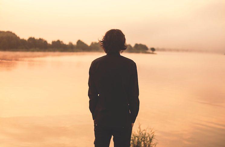 Το ποτήρι και η λίμνη για τις δυσκολίες μας, γράφει ο Θανάσης Καμπισιούλης